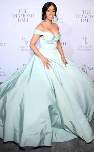 rs_634x1024-170915104852-634.Cardi-B-Diamond-Ball-NYC.ms.0091517